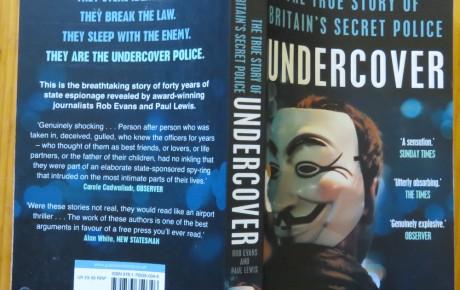 """""""Undercover. The true story of Britain's secret police"""" – Ein Buch über die Spitzelpolizei in England"""