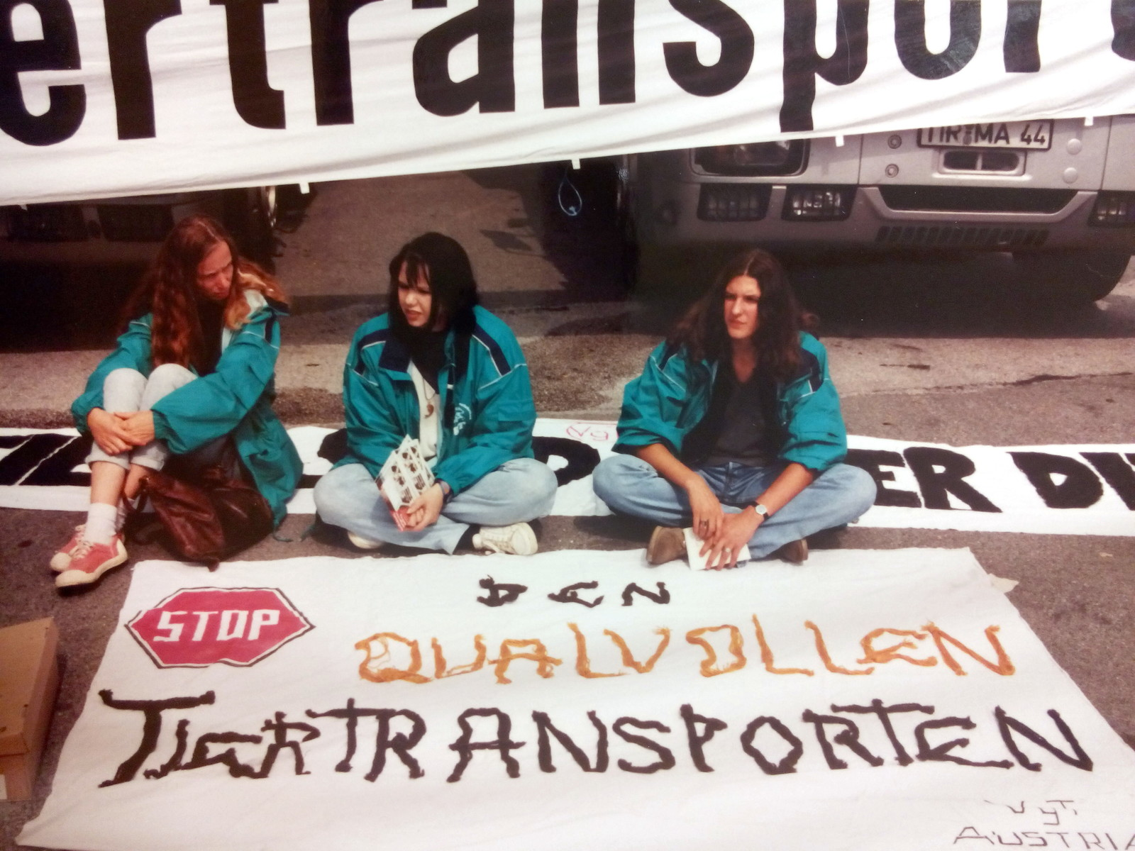 1996-07-26-tiertransport-blockade-salzburg-01